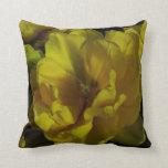 Arte amarillo del tulipán cojin