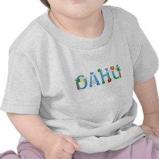 Arte artístico de la palabra de Oahu Hawaii Camisetas