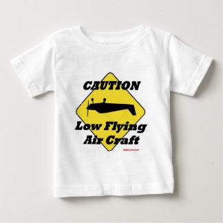 Arte bajo del aire del vuelo de la precaución playeras