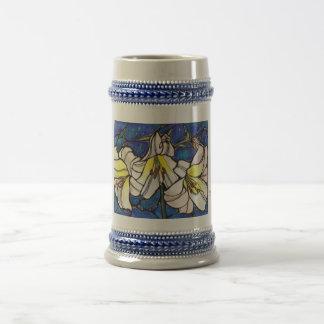 Arte blanco del diseño del vitral de las flores jarra de cerveza