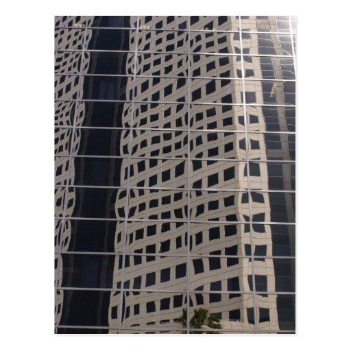 Arte brillante de la ventana del rascacielos del postal