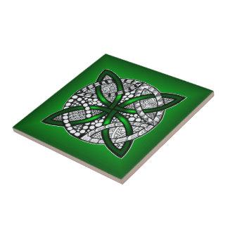 Arte céltico verde de la original del nudo azulejo cuadrado pequeño