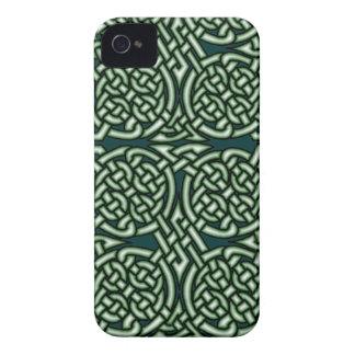 Arte céltico verde del knotwork Case-Mate iPhone 4 cárcasa