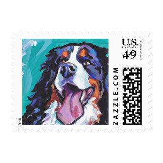 Arte colorido brillante del perro del estallido timbre postal