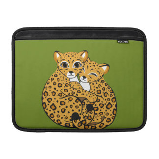 Arte de abrazo de Cubs del leopardo de Amur Funda Para Macbook Air