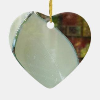 Arte de cerámica adorno navideño de cerámica en forma de corazón