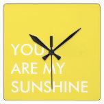 Arte de encargo amarillo del texto usted es mi sol relojes de pared