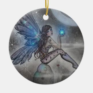 Arte de hadas azul chispeante de la fantasía adorno navideño redondo de cerámica