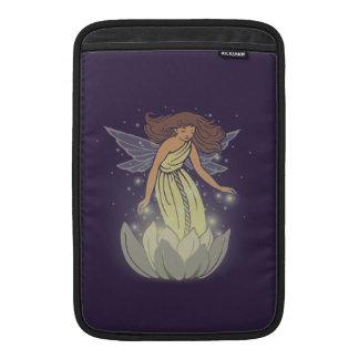 Arte de hadas mágico de la fantasía del resplandor fundas MacBook