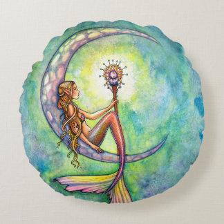 Arte de la fantasía de la luna de la sirena por cojín redondo