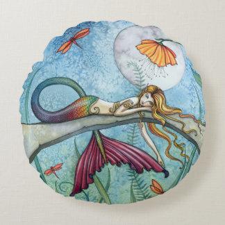 Arte de la fantasía de la sirena de la charca por cojín redondo