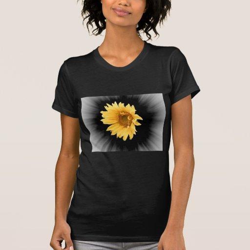 Arte de la flor amarilla de Helainthus Tshirt