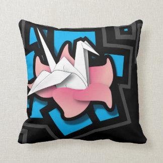 Arte de la grúa en negro almohadas