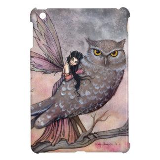 Arte de la hada y del búho de la fantasía por Moll iPad Mini Cárcasa
