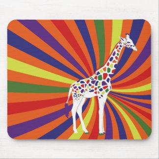 Arte de la jirafa del arco iris mousepads