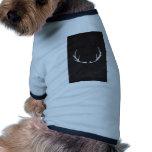 Arte de la pizarra - astas para los días de fiesta camiseta de perro