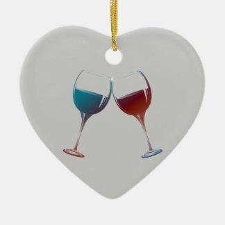 Arte de las copas de vino de la chispa que adorno navideño de cerámica en forma de corazón