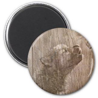 Arte de madera del perrito de lobo imán redondo 5 cm
