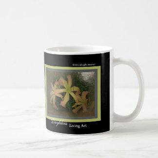Arte de vida de los nuevos del día Daylilies de lo Taza De Café