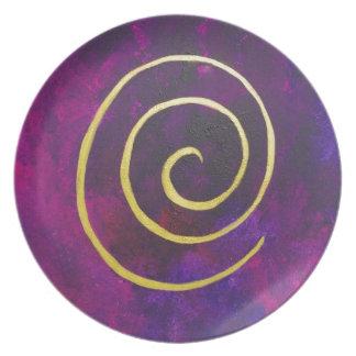 Arte decorativo de color morado oscuro del infinit plato de cena