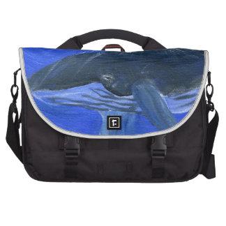 Arte del animal marino de la ballena jorobada bolsas para ordenador