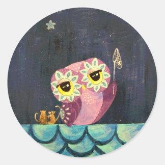 Arte del búho - coja una estrella el caer pegatina redonda