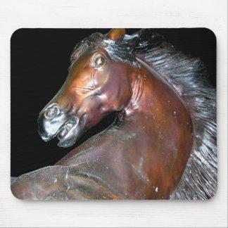 Arte del caballo de Sedona Arizona Alfombrilla De Ratones
