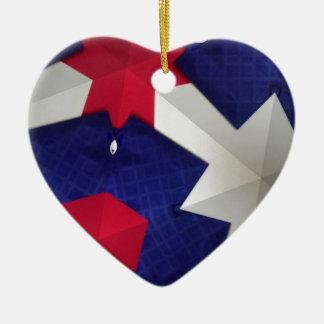 Arte del caleidoscopio adorno navideño de cerámica en forma de corazón
