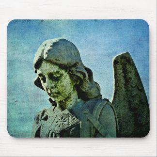 Arte del cementerio del ángel de guarda alfombrillas de raton
