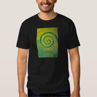 Arte del corazón de la energía camisas
