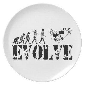 Arte del deporte de la evolución del monopatín que plato