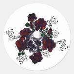 Arte del gótico del estilo del tatuaje del cráneo etiquetas redondas