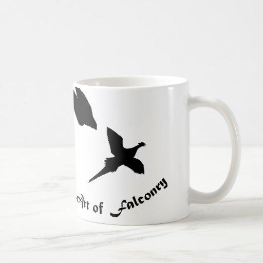 Arte del halcón de peregrino de la cetrería taza básica blanca