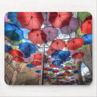 Arte del paraguas del mercado de la ciudad, tapetes de ratón