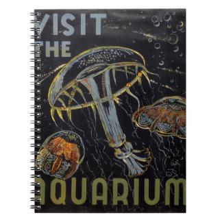 Arte del poster del vintage - visite el acuario libro de apuntes con espiral