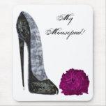 Arte del zapato negro del estilete y del rosa rojo alfombrilla de ratón