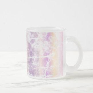 Arte en colores pastel apenado con rosa, púrpura y tazas