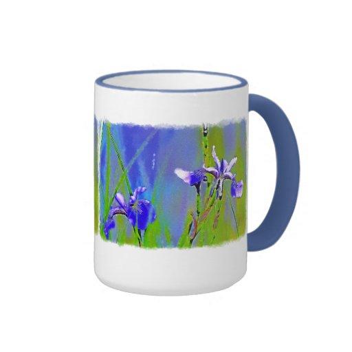 Arte floral de la acuarela azul del iris taza de dos colores