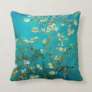 Arte floral floreciente del árbol de almendra de cojin