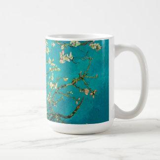Arte floral floreciente del árbol de almendra de taza