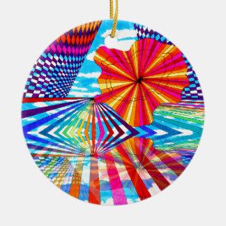 Arte geométrico brillante cósmico del arco iris adorno navideño redondo de cerámica