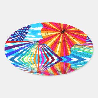 Arte geométrico brillante cósmico del arco iris pegatina ovalada