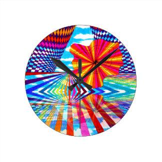 Arte geométrico brillante cósmico del arco iris reloj redondo mediano