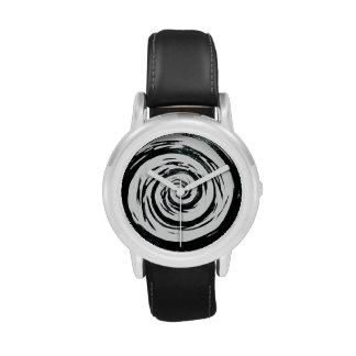 Arte hipnótico blanco y negro del remolino reloj