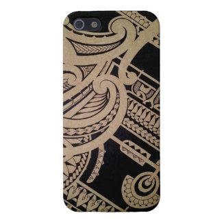 Arte maorí del tatuaje en la madera iPhone 5 protector