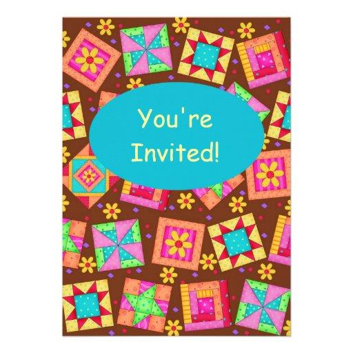Arte marrón del bloque del edredón de remiendo invitaciones personales