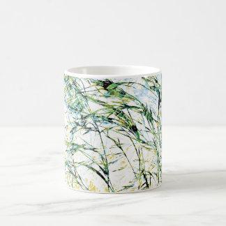 Arte moderno fresco, único del diseño floral de taza