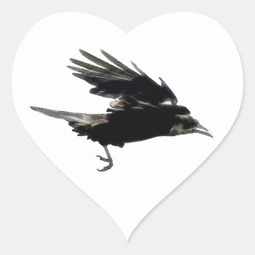Arte negro de la fauna del cuervo que vuela pegatina corazón