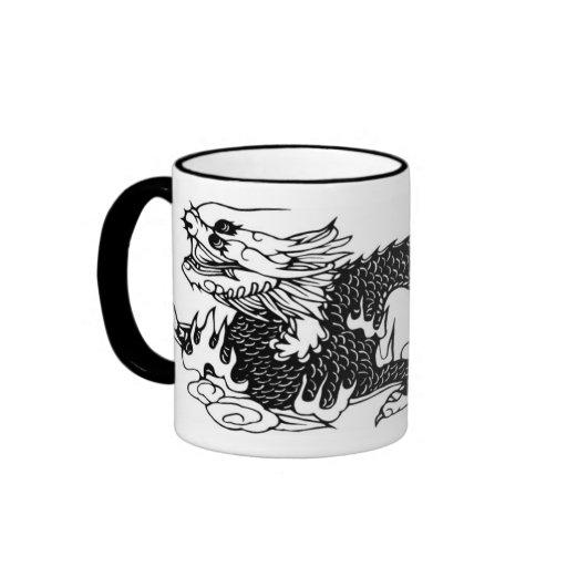 Arte negro de la taza de PaperCut del dragón