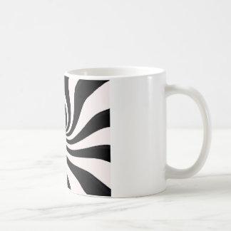 Arte negro y blanco contemporáneo taza básica blanca